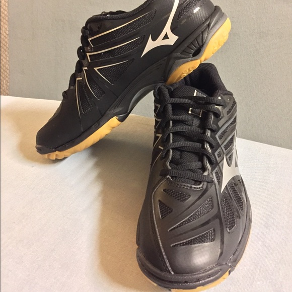 b58454a1b745 Mizuno Shoes | Womens Wave Hurricane 3 Volleyball Shoe | Poshmark